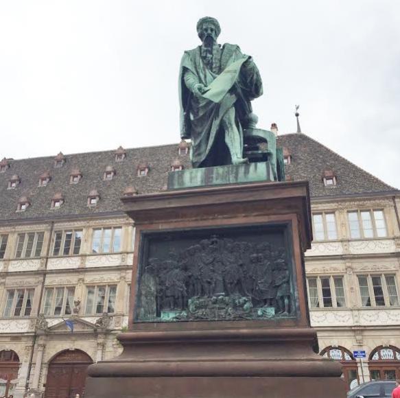 Place Gutenberg 2- Strasbourg
