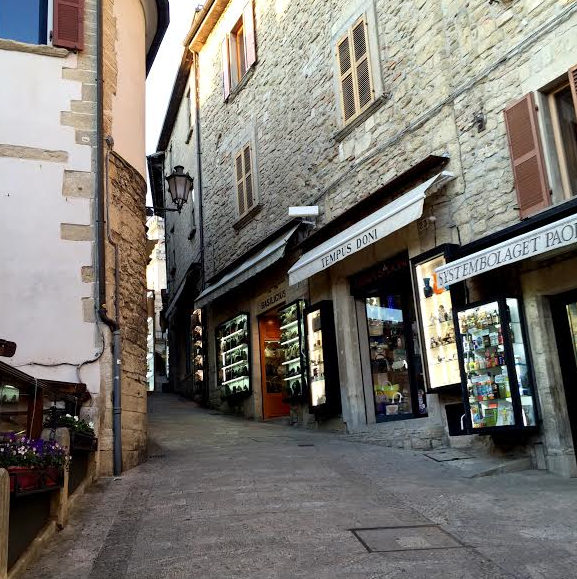 San Marino 27