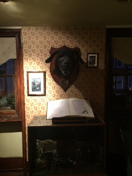 Sherlock Holmes Museum 27- London