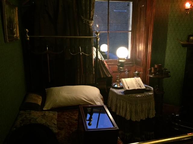 Sherlock Holmes Museum 31- London