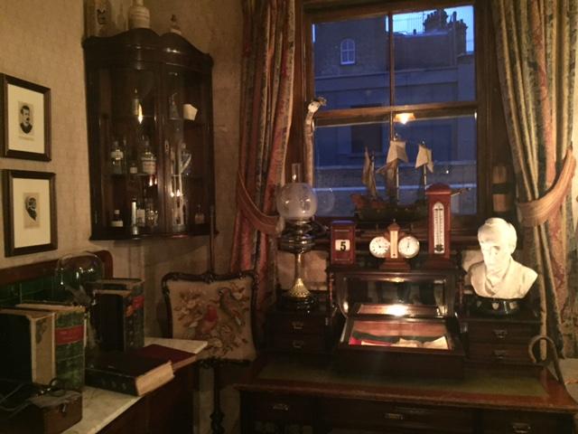 Sherlock Holmes Museum 33- London