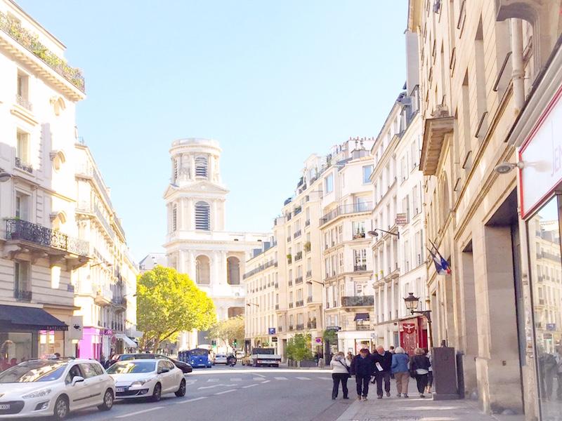 Saint Sulpice em Saint Germain- Mari and the City.