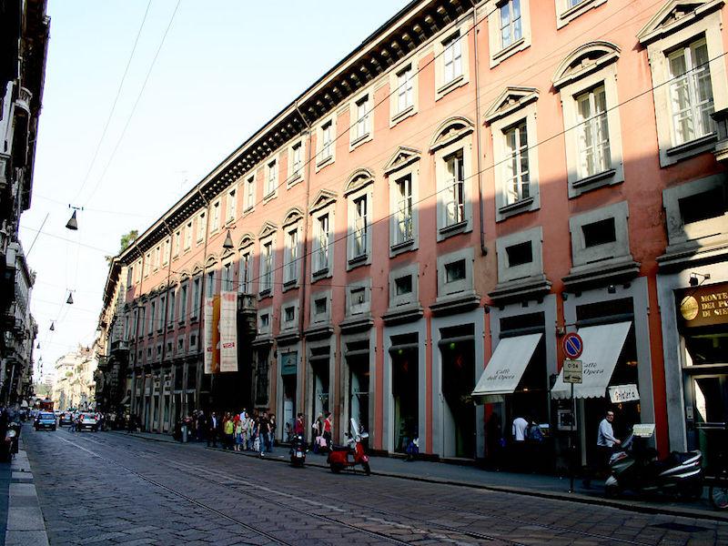 Via Manzoni- compras em Milão