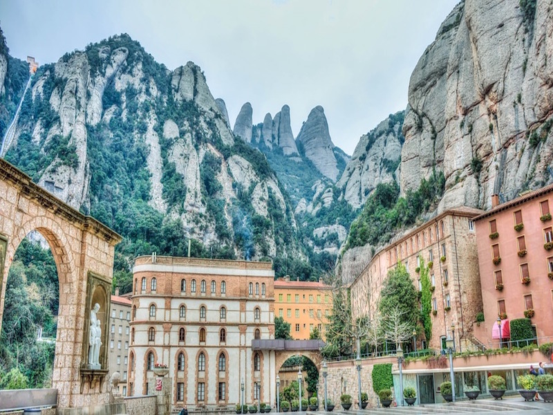 Montserrat- bate e volta a partir de Barcelona