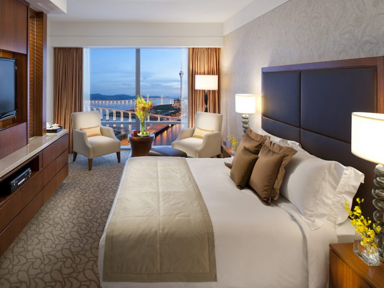 Deluxe Lake View Room.