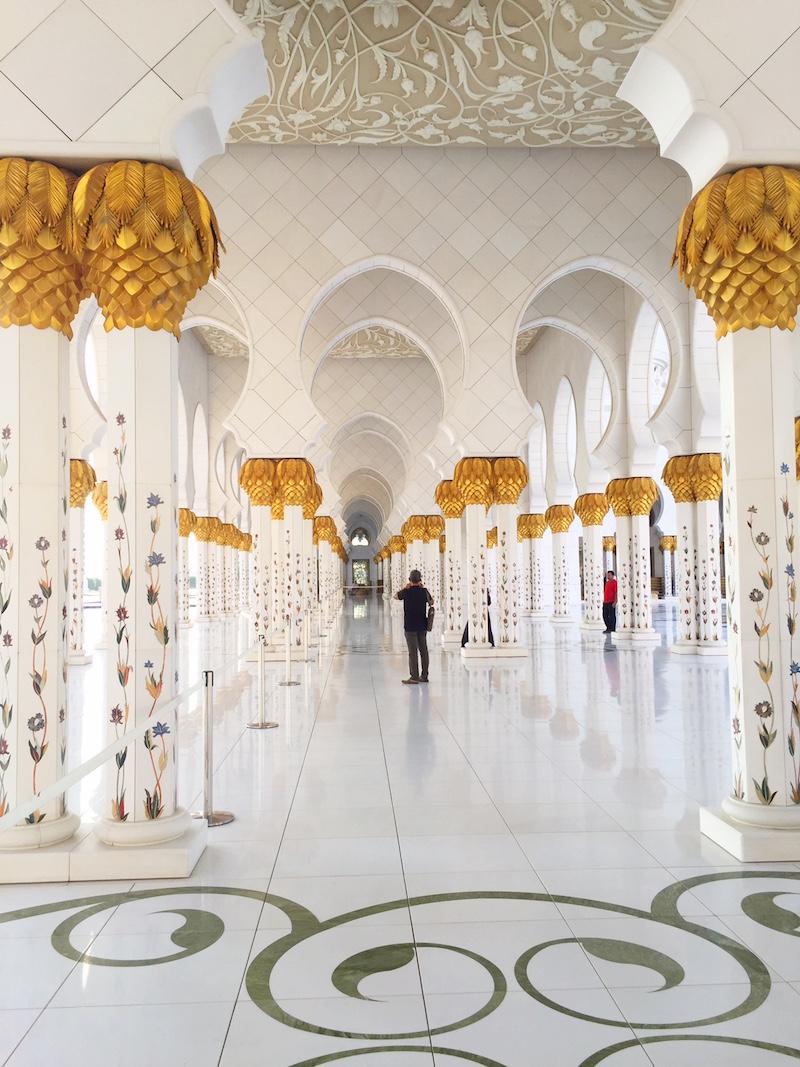 Sheikh Zayed- mesquita em Abu Dhabi